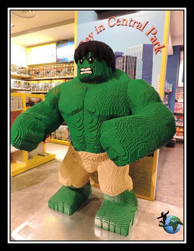 Hulk de Lego en ToyRus de New York