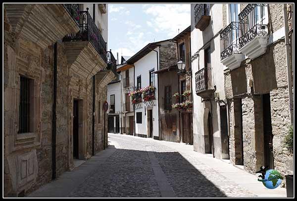 Paseando por la Calle del Agua en Villafranca del Bierzo