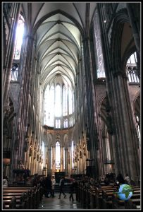 Nave central de la Catedral de Colonia
