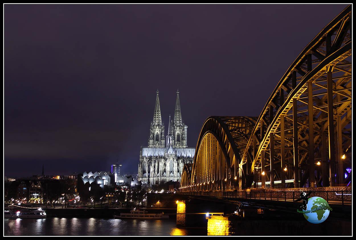 Catedral de Colonia y el puente Hohenzollern