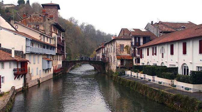 Dia 3 Navarra – Sant Jean de Pier de Port – Ezcaroz – Selva de Irati – Ochogavia- Mukilda – Roncesvalles.
