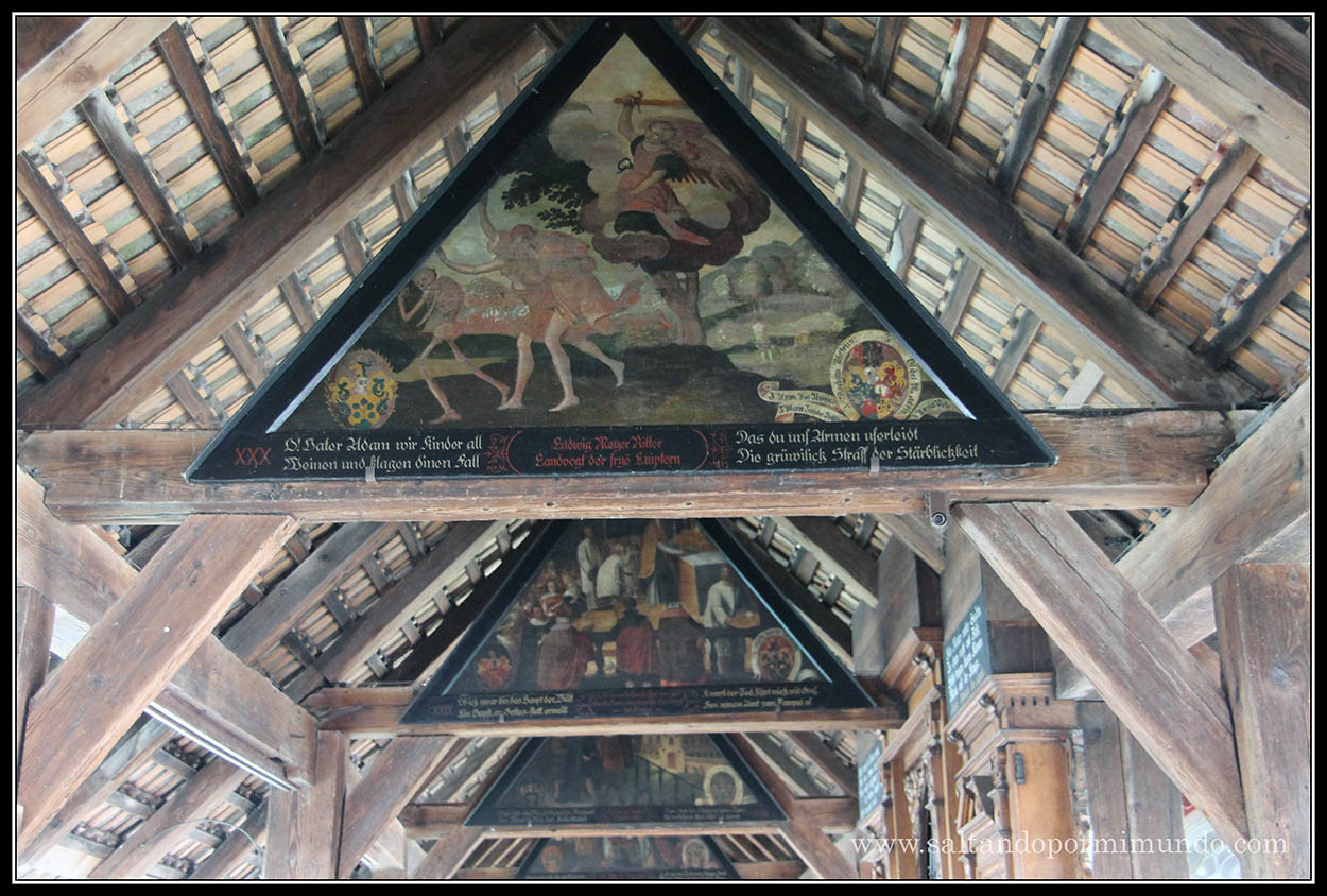 Pinturas en el puente del molino en Lucerna