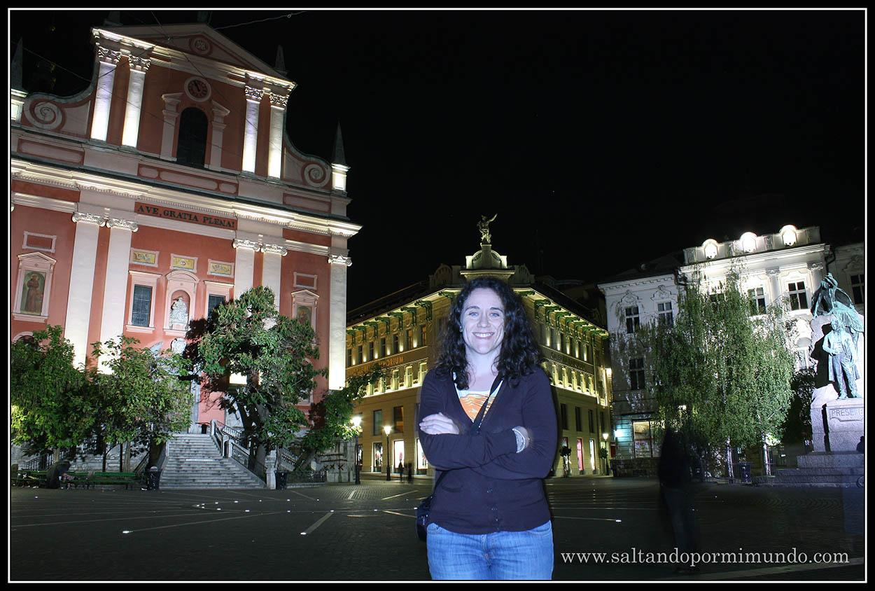 1763 - Patry con la Frančiškanska Cerkev, la Casa Urbanc, edificio Ura y la estatua a France Prešeren en Prešernou Trg de Ljubljana dom25-9