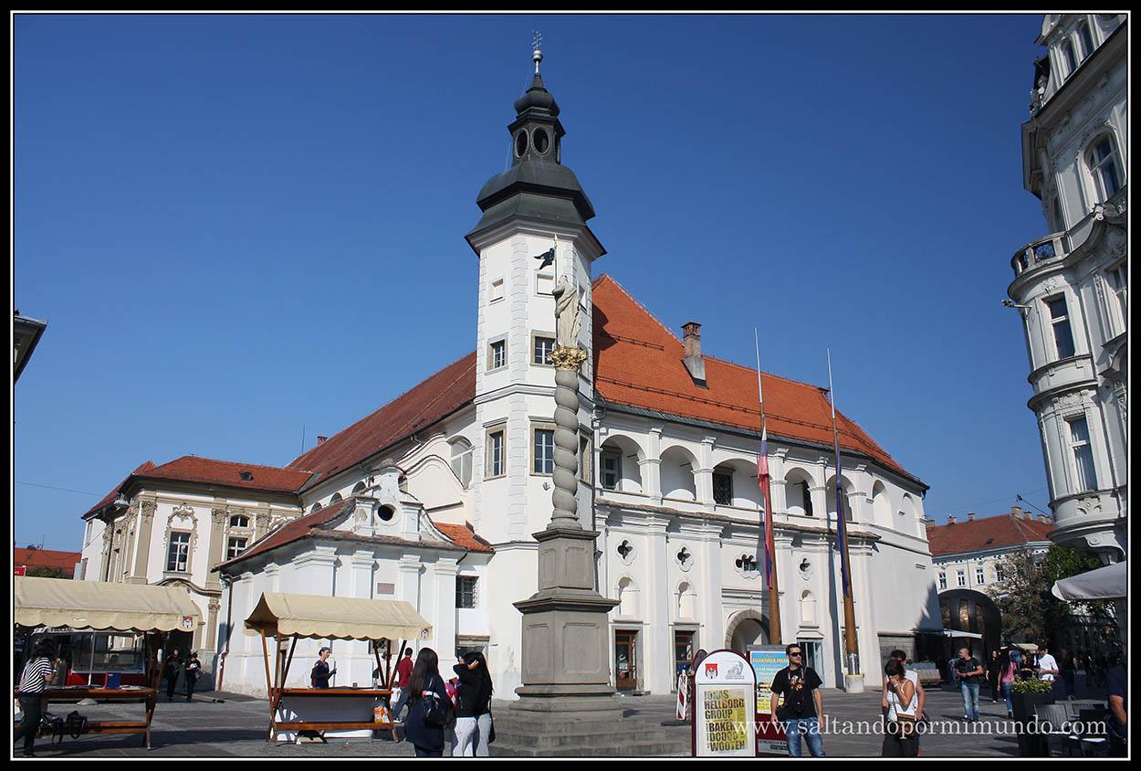 1854 - Castillo y monumento a sveti Florijan en Grajski Trg de Maribor lun26-9