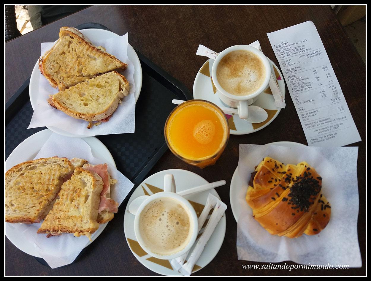 Desayunando en Albufeira, Algarve