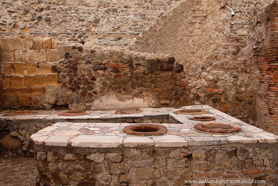Ercolano Scavi, excavaciones romanas de Herculano.