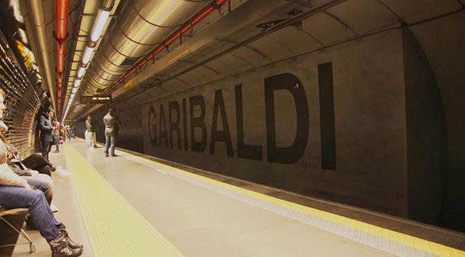 Conociendo las entrañas de Nápoles. Línea 1 de metro, la más bella de Europa.