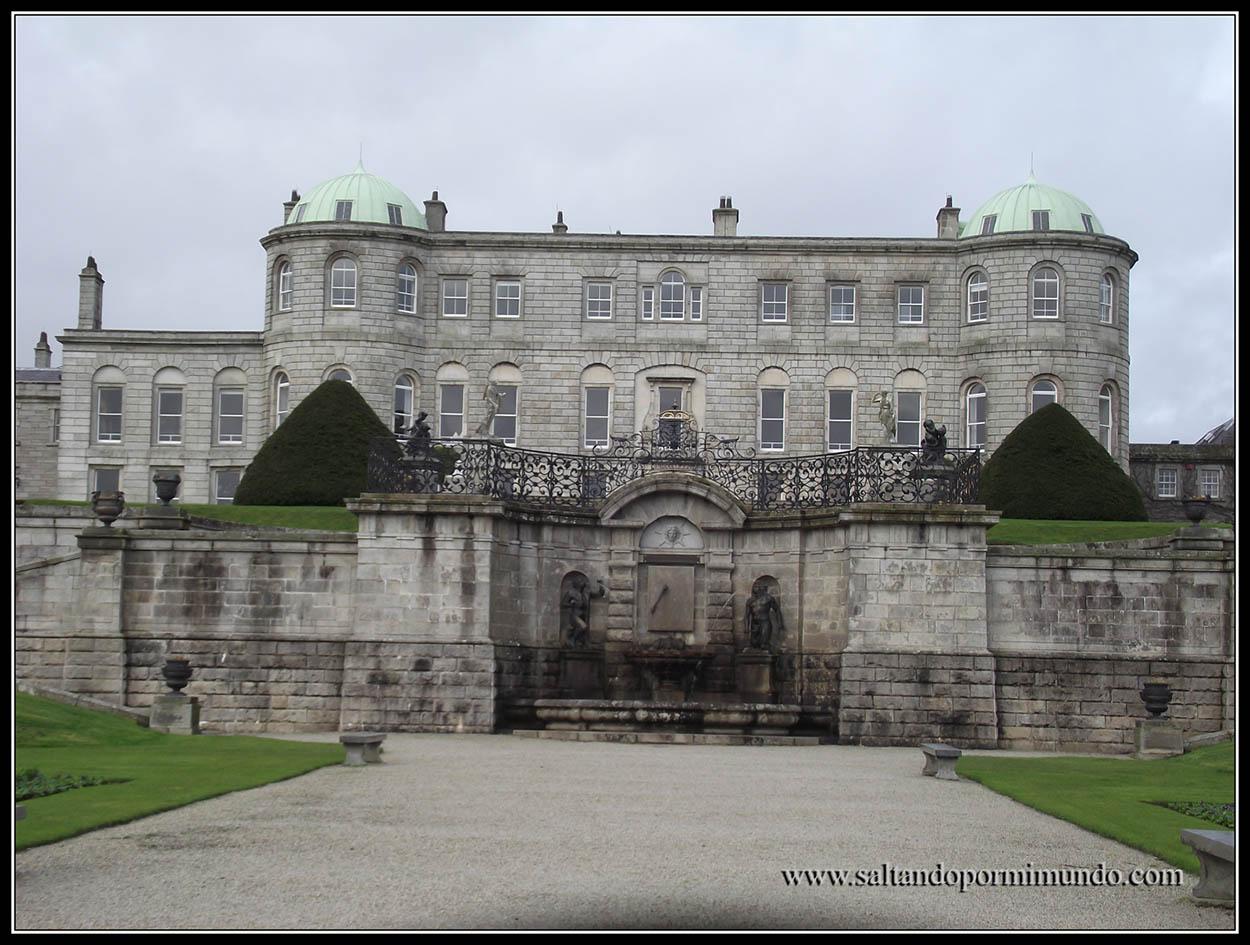 Qué ver en el condado de Wicklow, Irlanda. Jardines de Powescourt Gardens.