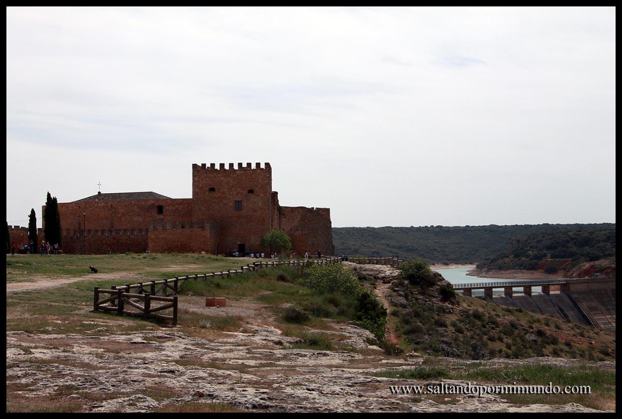 Castillo y Embalse de Peñarroya