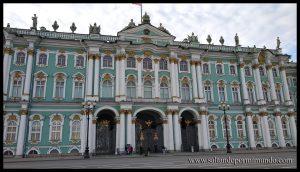 Entrada del Hermitage en San Petersburgo
