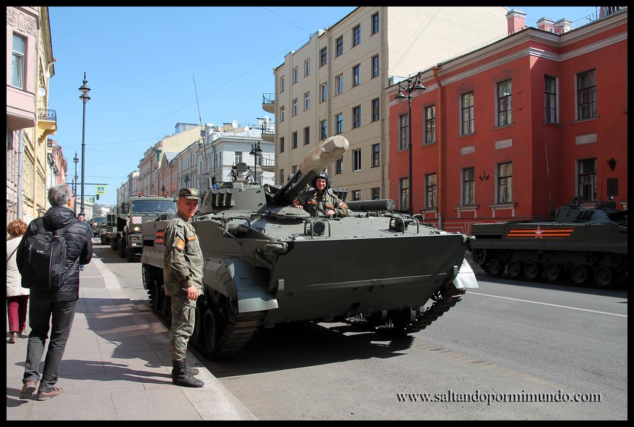 Despliegue militar en san Petersburgo.