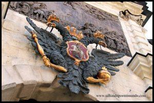 Escudo de la fortaleza de San Pedro y San Pablo.