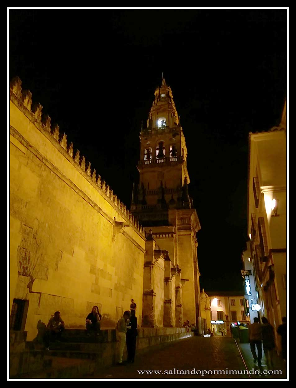 Mezquita de Córdoba de noche.
