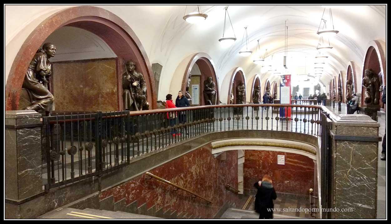 Estación Plóshchad Revolutsii