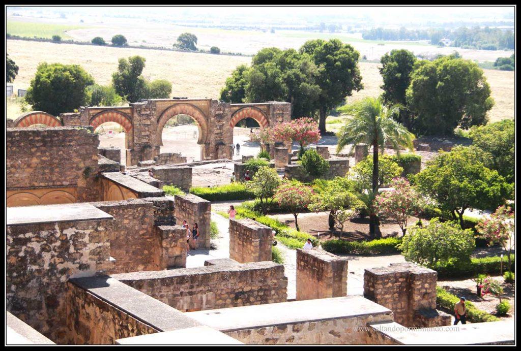 Recorriendo Medina Azahara