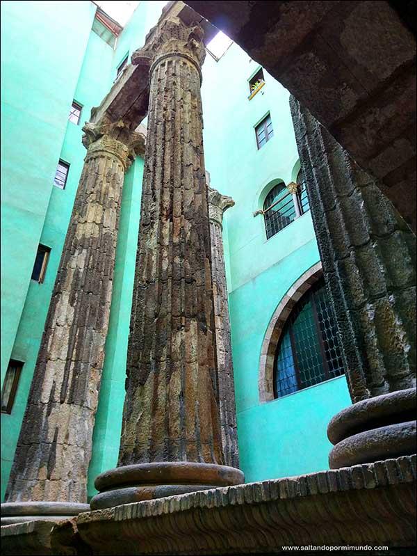 Columnas romanas Barcelona pertenecientes al templo de Augusto