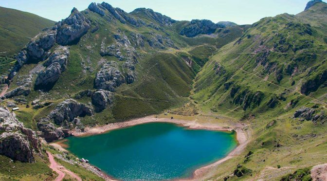 Espectacular ruta de senderismo por los lagos de Saliencia en Somiedo