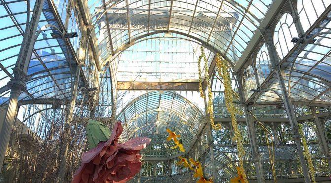 Exposición de flores gigantes en el Palacio de Cristal