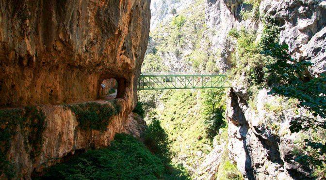 Ruta del Cares, una de las rutas más bonitas de senderismo del mundo