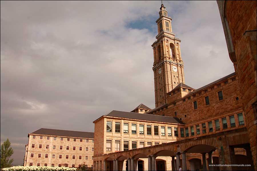 La Laboral de Gijón una de las Universidades más bonitas de España