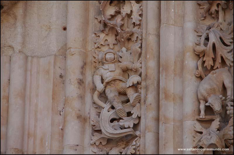 Qué ver en Salamanca en un día, el Astronauta de la Catedral nueva